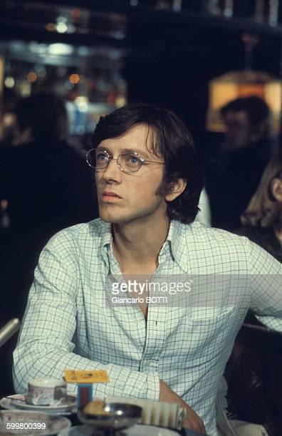 Bernard Giraudeau lors du tournage du film 'Moi fleur bleue' réalisé par Eric Le Hung en 1977 en France