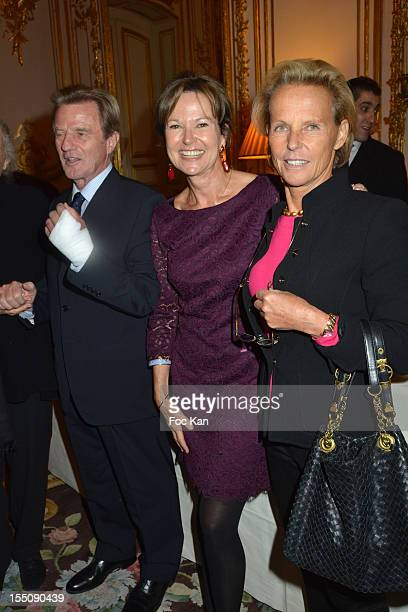 Bernard Kouchner Kati Marton and Christine Ockrent attend the launch of 'Paris A Love Story' by Kati Marton at US Ambassador Residence on October 31...