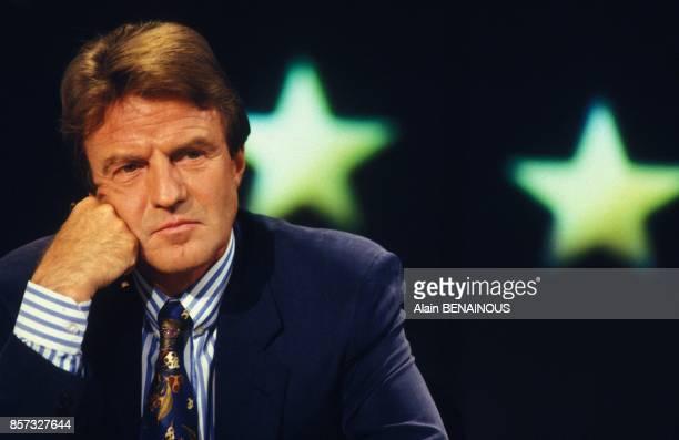 Bernard Kouchner sur le plateau de TF1 lors d'un debat sur le referendum de Maastricht le 20 septembre 1992 a Paris France
