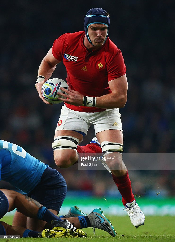<a gi-track='captionPersonalityLinkClicked' href=/galleries/search?phrase=Bernard+Le+Roux&family=editorial&specificpeople=7397375 ng-click='$event.stopPropagation()'>Bernard Le Roux</a> of France looks to offload during the 2015 Rugby World Cup Pool D match between France and Italy at Twickenham Stadium on September 19, 2015 in London, United Kingdom.