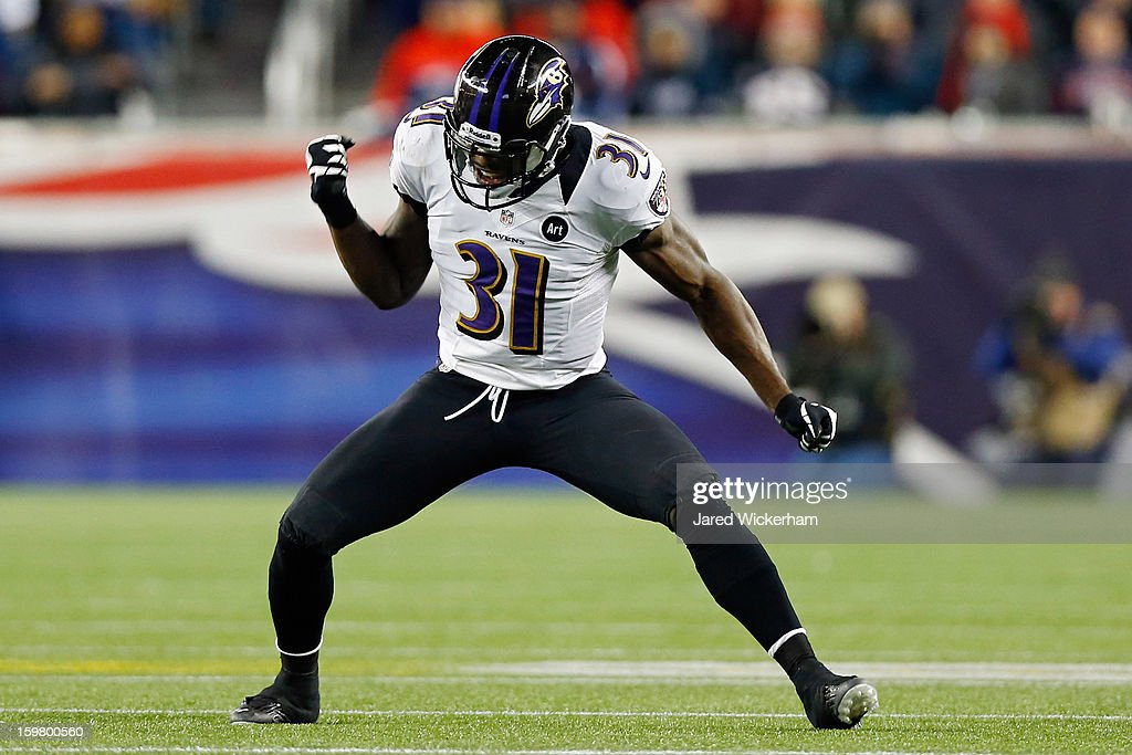 Bernard Pollard #31 of the Baltimore Ravens celebrates a fumble recovery against Stevan Ridley #22 of the New England Patriots in the fourth quarter during the 2013 AFC Championship game at Gillette Stadium on January 20, 2013 in Foxboro, Massachusetts.