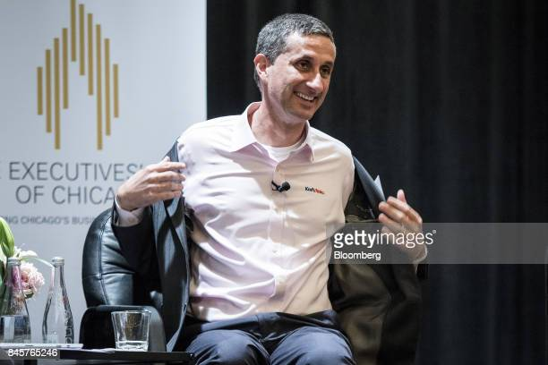 Bernardo Hees chief executive officer of the Kraft Heinz Co removes his jacket during an Executives' Club of Chicago event in Chicago Illinois US on...