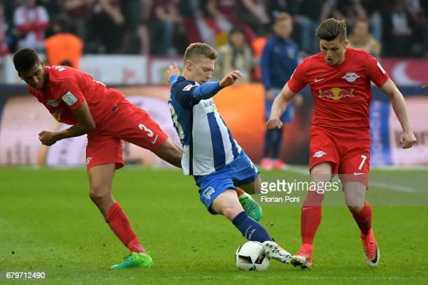 Bernardo Mitchell Weiser of Hertha BSC and Marcel Sabitzer of RB Leipzig during the game between Hertha BSC and RB Leipzig on may 6 2017 in Berlin...