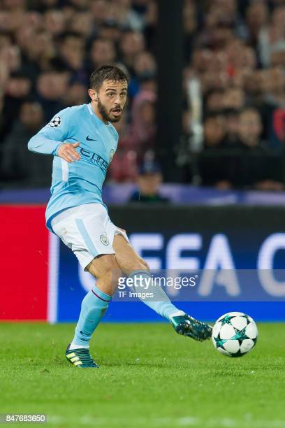 Bernardo Silva of Manchester City controls the ball during the UEFA Champions League match between Feyenoord Rotterdam and Manchester City at Stadion...