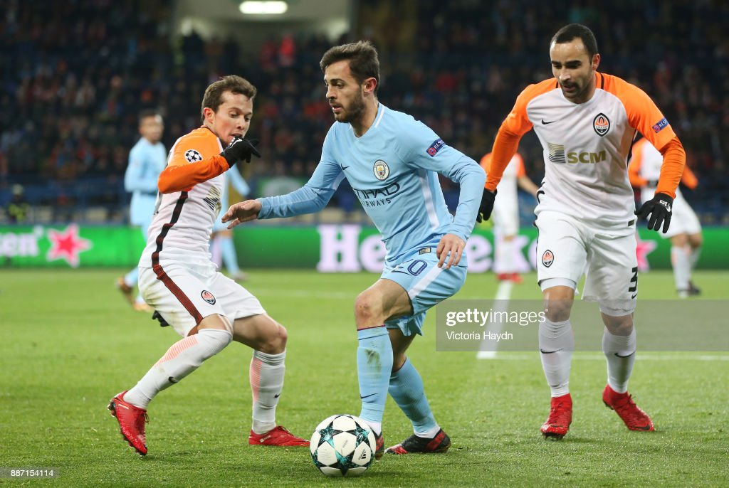 Real Madrid 2018-19 --Juventus / Man Utd Updates - Page 6 Bernardo-silva-of-manchester-city-in-naction-during-the-uefa-league-picture-id887154114