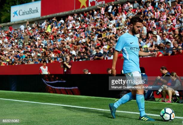 Bernardo Silva of Manchester City prepares for a corner kick during the preseason friendly match between Girona and Manchester City at Municipal de...