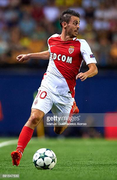 Bernardo Silva of Monaco runs with the ball during the UEFA Champions League playoff first leg match between Villarreal CF and AS Monaco at El...