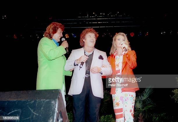 Bernd Clüver Ehefrau Anja ClüverHörnich Stargast Tony Marshall 'Mallorca Schlagerfestival' Palma/Palma de Mallorca/Spanien0906 1997 Bühne Interview...