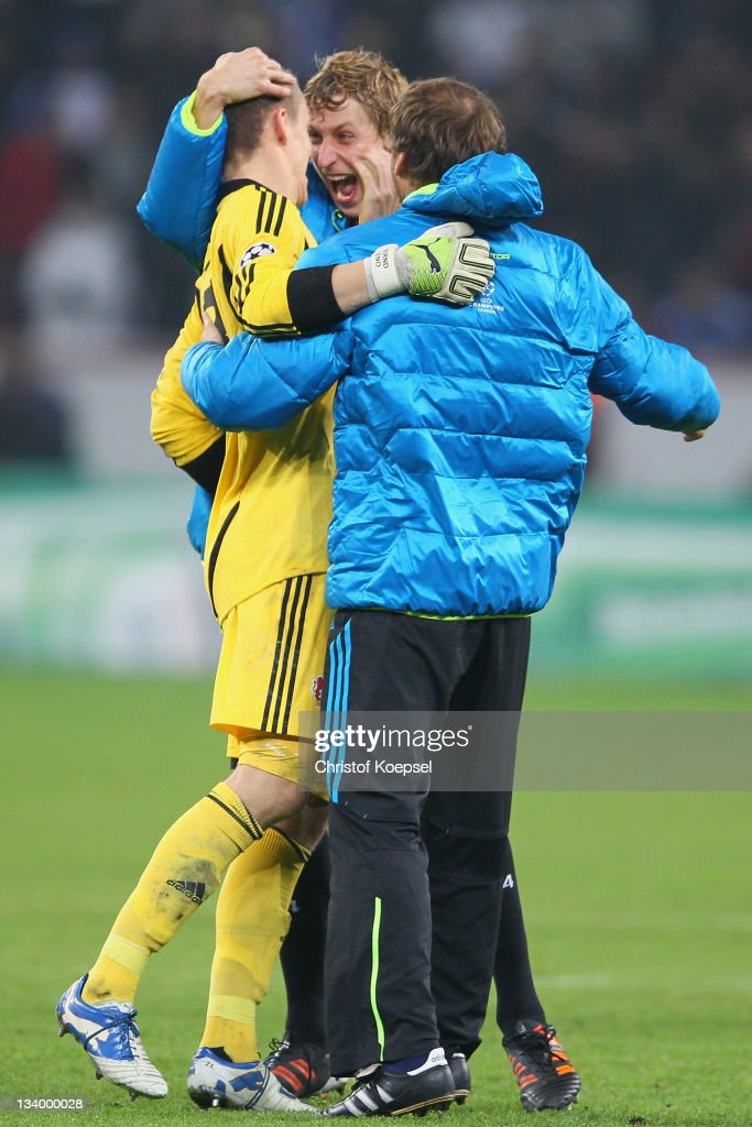 <a gi-track='captionPersonalityLinkClicked' href=/galleries/search?phrase=Bernd+Leno&family=editorial&specificpeople=5528639 ng-click='$event.stopPropagation()'>Bernd Leno</a> and <a gi-track='captionPersonalityLinkClicked' href=/galleries/search?phrase=Stefan+Kiessling&family=editorial&specificpeople=605405 ng-click='$event.stopPropagation()'>Stefan Kiessling</a> of Leverkusen celebrate during the UEFA Champions League group E match between Bayer 04 Leverkusen and Chelsea FC at BayArena on November 23, 2011 in Leverkusen, Germany.