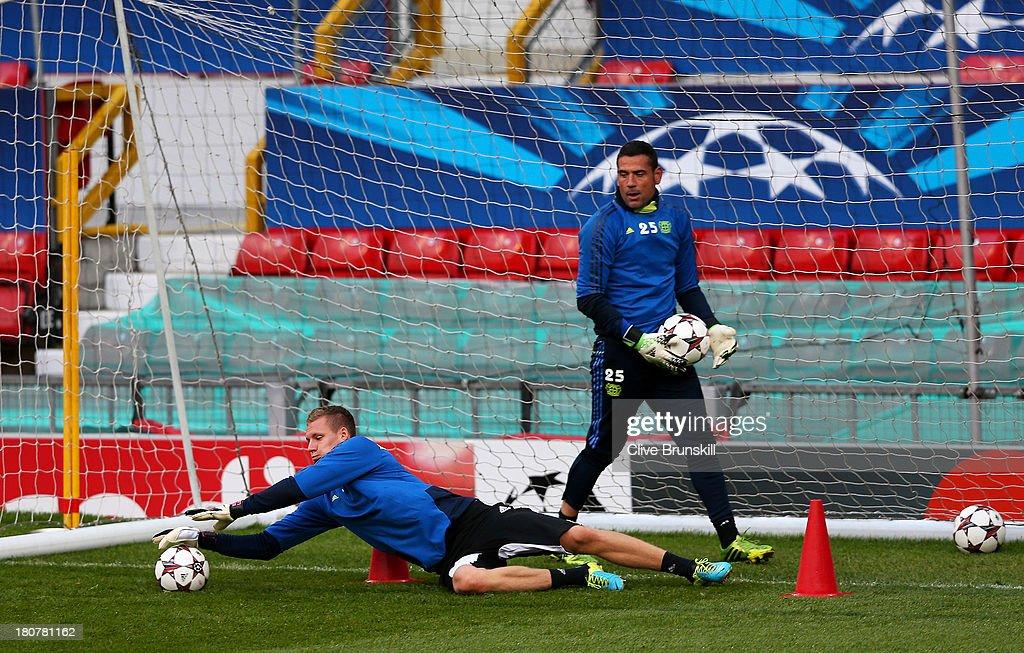Bayer Leverkusen Training & Press Conference