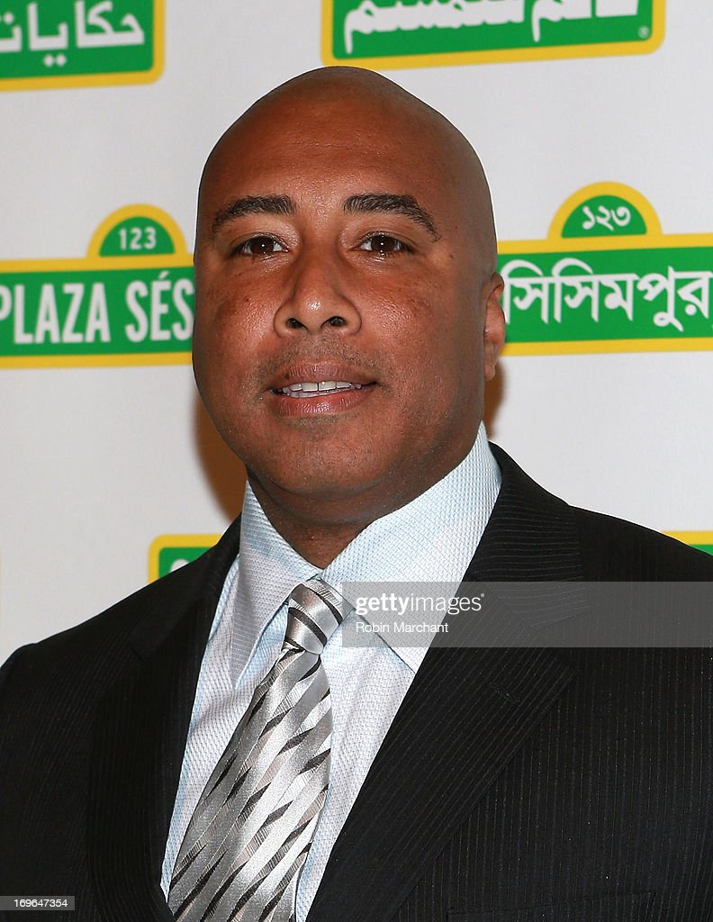<a gi-track='captionPersonalityLinkClicked' href=/galleries/search?phrase=Bernie+Williams&family=editorial&specificpeople=175814 ng-click='$event.stopPropagation()'>Bernie Williams</a> attends 11th Annual Sesame Street Workshop Benefit Gala at Cipriani 42nd Street on May 29, 2013 in New York City.