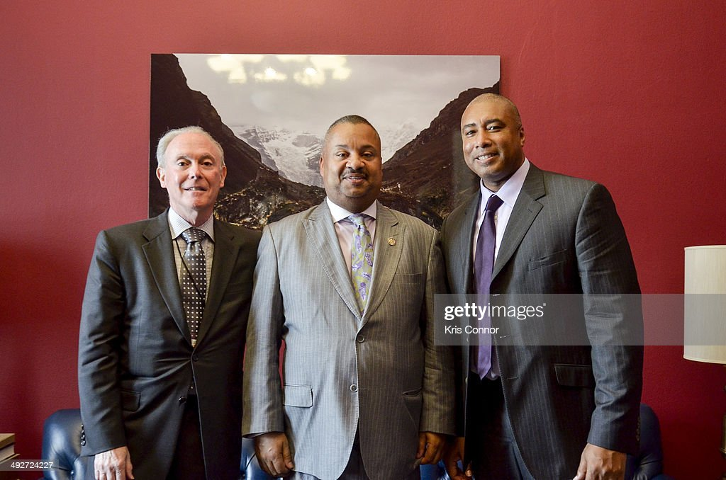 <a gi-track='captionPersonalityLinkClicked' href=/galleries/search?phrase=Bernie+Williams&family=editorial&specificpeople=175814 ng-click='$event.stopPropagation()'>Bernie Williams</a> meets with Rep. Donald Payne(D-NJ) in Payne's Office in the House Cannon Office Building during NAMM D.C. Fly-in at the US Capitol on May 21, 2014 in Washington, DC.