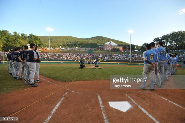 Bernie Williams plays the national anthem before the game between the West and the the Southwest in the US final at Lamade Stadium on August 29 2009...