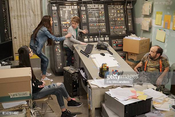 BIZAARDVARK 'Bernie's In Charge' When Bernie is temporarily put in charge of Vuuugle Paige and Frankie's plans to make a video with pyrotechnics...