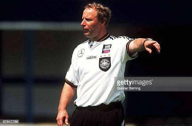 DFB TRAINING 17696 Berti VOGTS Fussballtrainer Deutschland/GER