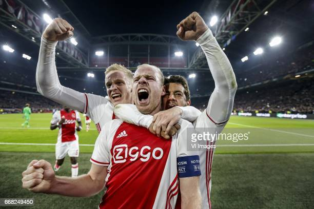 Bertrand Traore of Ajax Donny van de Beek of Ajax Davy Klaassen of Ajax Amin Younes of Ajaxduring the UEFA Europa League quarter final match between...
