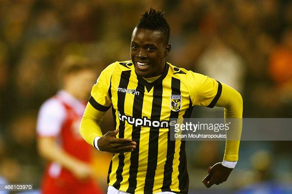 Bertrand Traore of Vitesse celebrates scoring the first goal of the game during the Dutch Eredivisie match between Vitesse Arnhem and AZ Alkmaar held...