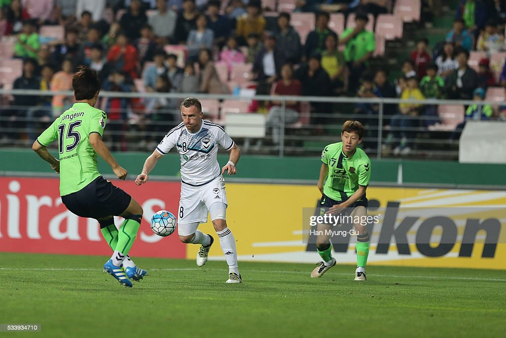 Besart Berisha action during the AFC Champions League Round Of 16 match between Jeonbuk Hyundai Motors and Melbourne Victory at Jeonju World Cup Stadium on May 24, 2016 in Jeonju, South Korea.