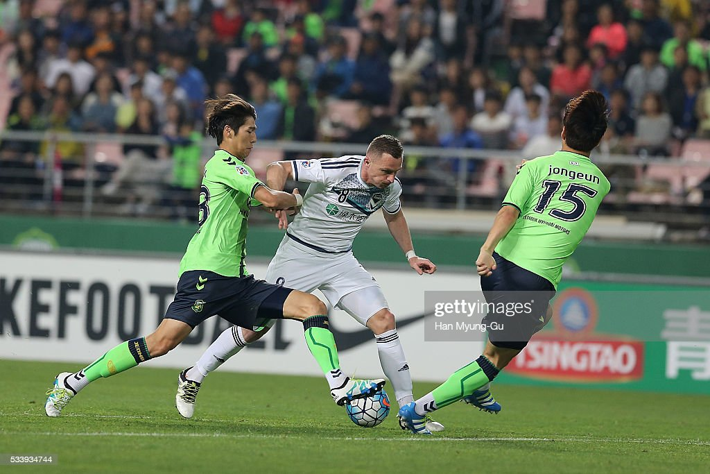 <a gi-track='captionPersonalityLinkClicked' href=/galleries/search?phrase=Besart+Berisha&family=editorial&specificpeople=737057 ng-click='$event.stopPropagation()'>Besart Berisha</a> in action during the AFC Champions League Round Of 16 match between Jeonbuk Hyundai Motors and Melbourne Victory at Jeonju World Cup Stadium on May 24, 2016 in Jeonju, South Korea.
