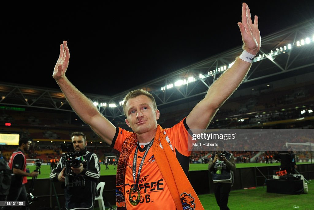 <a gi-track='captionPersonalityLinkClicked' href=/galleries/search?phrase=Besart+Berisha&family=editorial&specificpeople=737057 ng-click='$event.stopPropagation()'>Besart Berisha</a> of the Roar celebrates victory after the 2014 A-League Grand Final match between the Brisbane Roar and the Western Sydney Wanderers at Suncorp Stadium on May 4, 2014 in Brisbane, Australia.