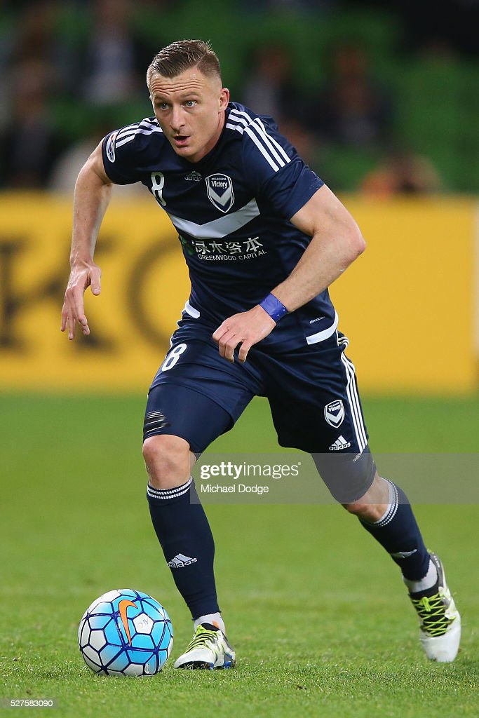 <a gi-track='captionPersonalityLinkClicked' href=/galleries/search?phrase=Besart+Berisha&family=editorial&specificpeople=737057 ng-click='$event.stopPropagation()'>Besart Berisha</a> of the Victory runs with the ball during the AFC Champions League match between Melbourne Victory and Gamba Osaka at AAMI Park on May 3, 2016 in Melbourne, Australia.