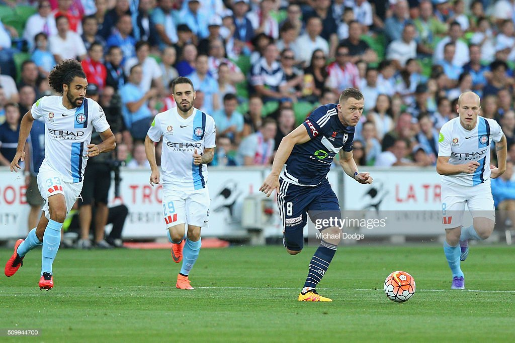 <a gi-track='captionPersonalityLinkClicked' href=/galleries/search?phrase=Besart+Berisha&family=editorial&specificpeople=737057 ng-click='$event.stopPropagation()'>Besart Berisha</a> of the Victory runs with the ball during the round 19 A-League match between Melbourne City FC and Melbourne Victory at AAMI Park on February 13, 2016 in Melbourne, Australia.