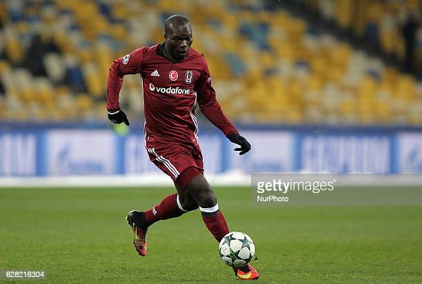 Besiktas' Vincent Aboubakar Kiev's in action during a the Champions League Group B soccer match between Dynamo Kiev and Besiktas at the Olympiyskiy...