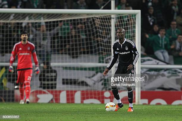 Besiktas's midfielder Atiba Hutchinson during the match between Sporting CP and Besiktas JK for UEFA Europe League Group Round on December 10 2015 in...