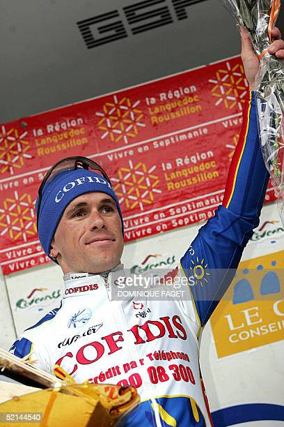 French Jimmy Casper celebrates on the podium after winning the last stage of the 35th Etoile de Besseges cycling race 6 February 2005 in Besseges...