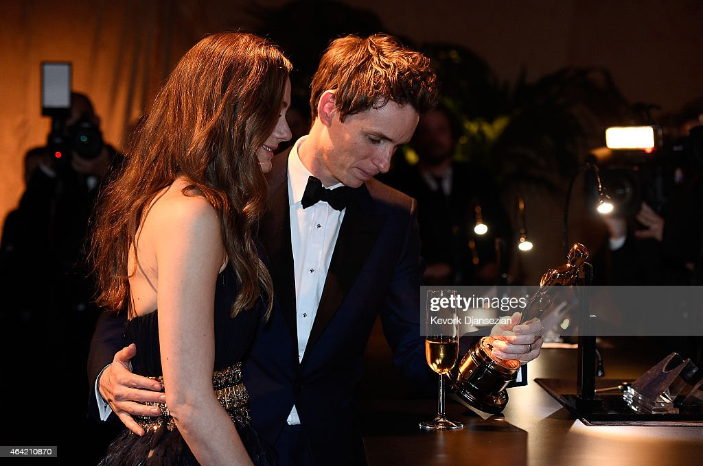 Best Actor in a Leading Role winner Eddie Redmayne, and Hannah Bagshawe, attend the 87th Annual Academy Awards Governors Ball at Hollywood & Highland Center on February 22, 2015 in Hollywood, California.