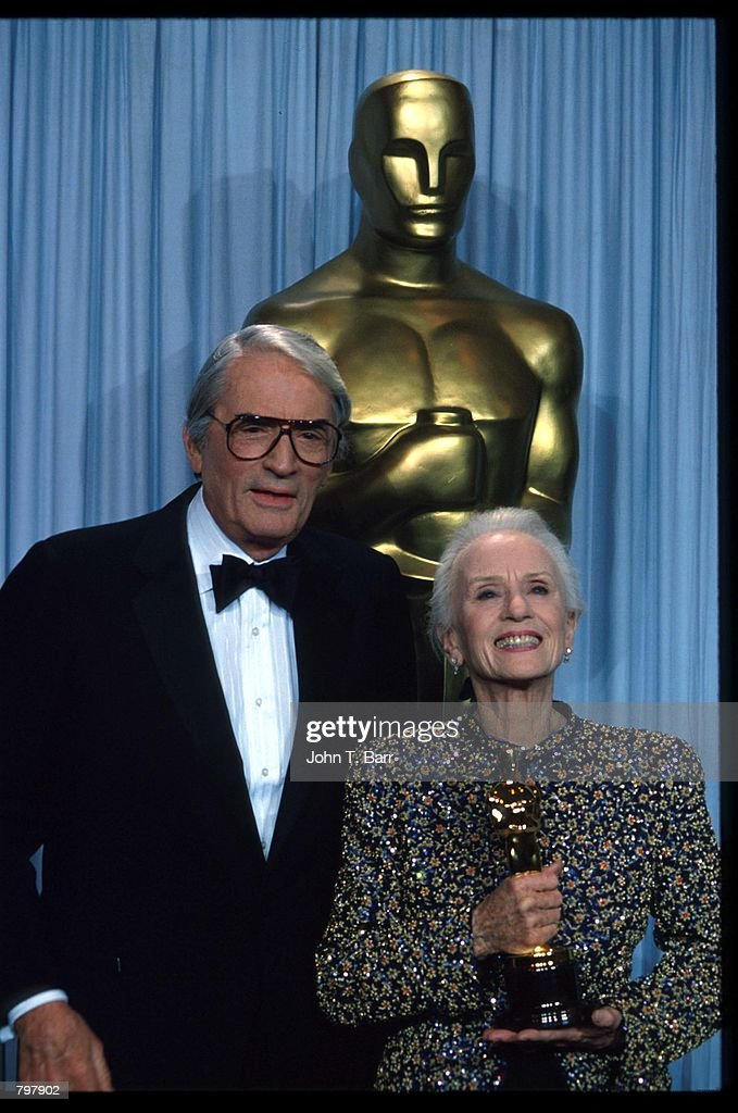 an analysis of the 2003 los angeles academy awards The first academy awards ceremony was held at the hollywood roosevelt hotel  in 1929, and since then the oscars have taken place at some.