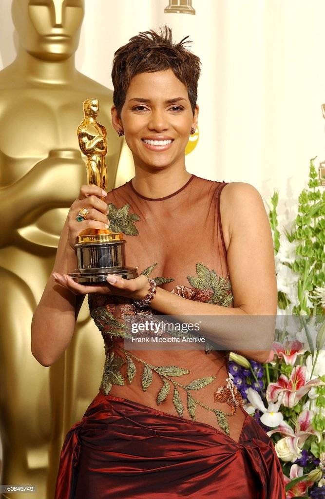 Best Actress winner Halle Berry holds her Oscar statuete backstage at the 74th Annual Academy Awards held at the Kodak Theatre in Hollywood Ca March...