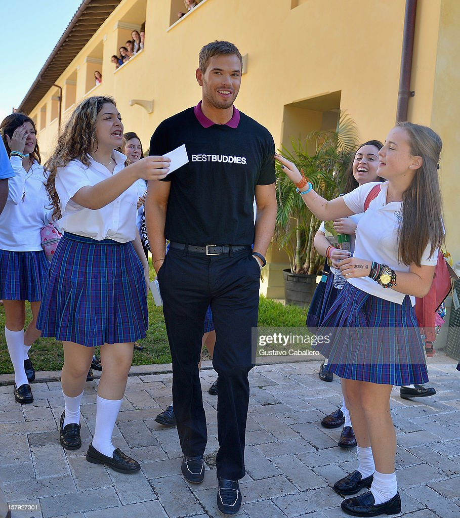 Best Buddies welcomes 'Twilight' star <a gi-track='captionPersonalityLinkClicked' href=/galleries/search?phrase=Kellan+Lutz&family=editorial&specificpeople=683287 ng-click='$event.stopPropagation()'>Kellan Lutz</a> on December 7, 2012 in Miami, Florida.