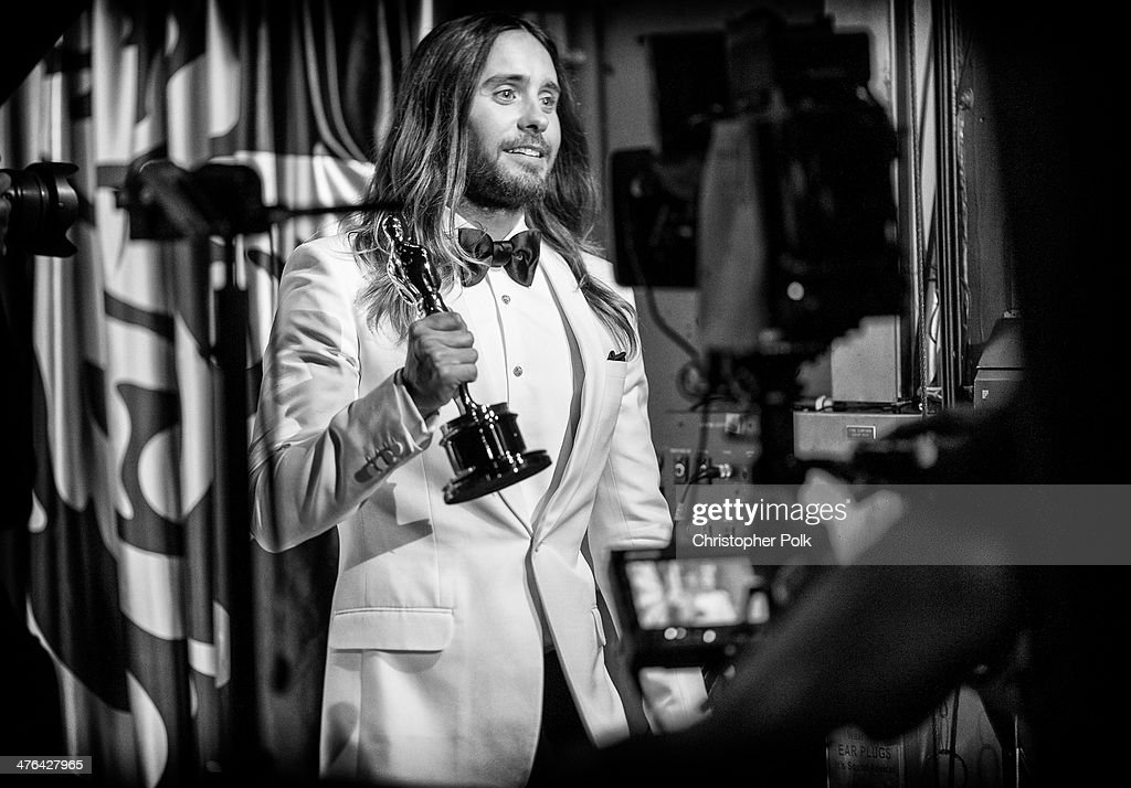 Best Supporting Actor winner <a gi-track='captionPersonalityLinkClicked' href=/galleries/search?phrase=Jared+Leto&family=editorial&specificpeople=214764 ng-click='$event.stopPropagation()'>Jared Leto</a> backstage during the Oscars held at Dolby Theatre on March 2, 2014 in Hollywood, California.