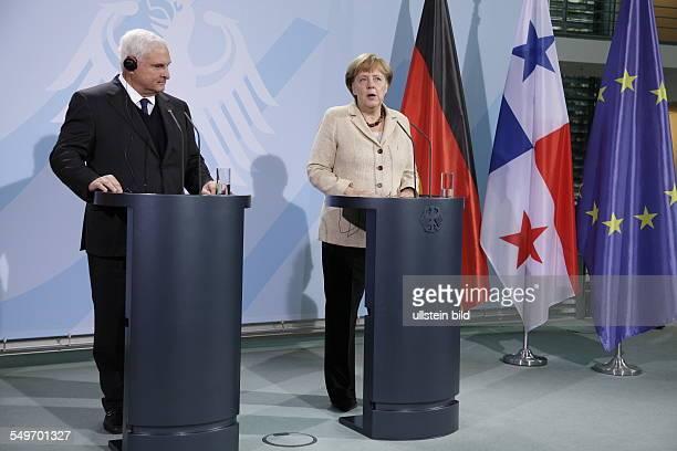 Besuch von Ricardo Martinelli Staatspräsident der Republik Panama in Berlin Angela Merkel und Martinelli bei der gemeinsamen Abgabe einer Erklärung
