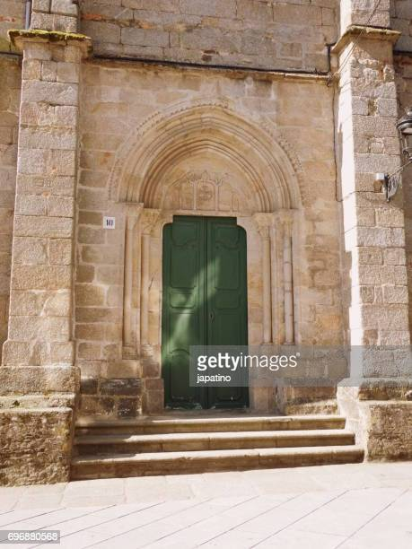 Betanzos. Side door of the parish church of Santiago. Century XVI