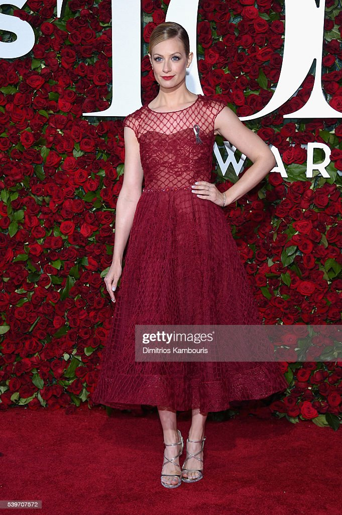 <a gi-track='captionPersonalityLinkClicked' href=/galleries/search?phrase=Beth+Behrs&family=editorial&specificpeople=6556378 ng-click='$event.stopPropagation()'>Beth Behrs</a> attends the 70th Annual Tony Awards at The Beacon Theatre on June 12, 2016 in New York City.