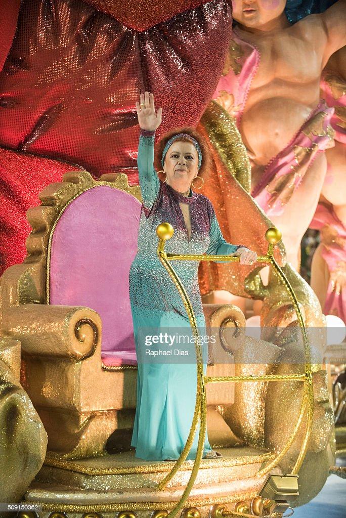 Beth Carvalho attends to the Rio Carnival in Sambodromo on February 8, 2016 in Rio de Janeiro, Brazil. Despite the Zika virus epidemic, thousands of tourists gathered in Rio de Janeiro for the carnival.
