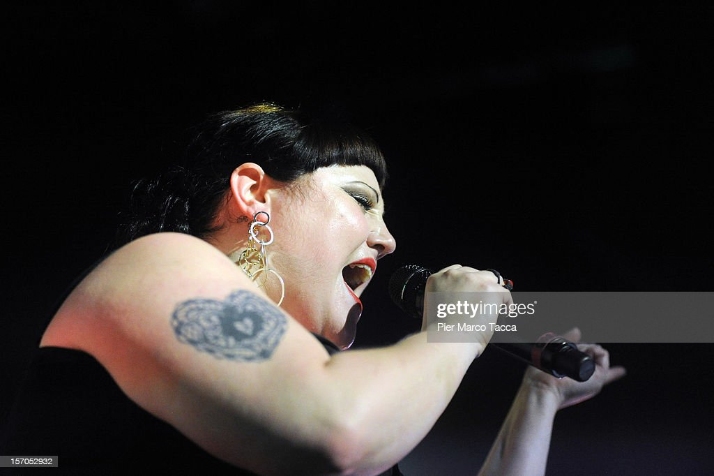 <a gi-track='captionPersonalityLinkClicked' href=/galleries/search?phrase=Beth+Ditto&family=editorial&specificpeople=680282 ng-click='$event.stopPropagation()'>Beth Ditto</a> of Gossip performs on stage at Alcatraz on November 27, 2012 in Milan, Italy.