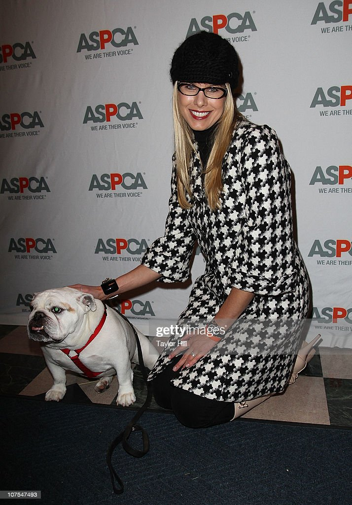 Beth Ostrosky Stern and Bianca attend the 2010 ASPCA Blessing Of The Animals at Christ Church on December 12, 2010 in New York City.