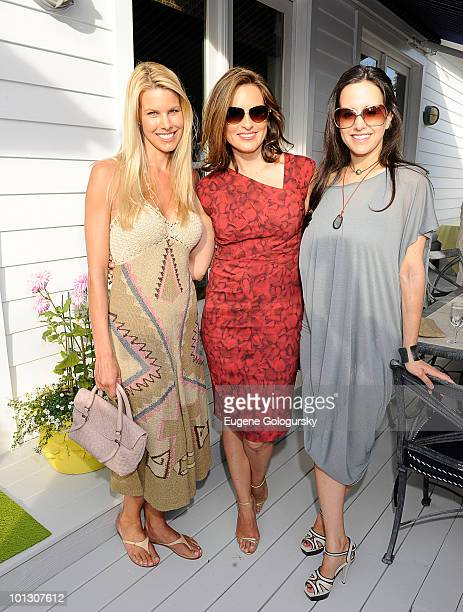 Beth Ostrosky Stern Mariska Hargitay and Haley Binn attend a Memorial Day party hosted by Haley and Jason Binn along with Mariska Hargitay at a...