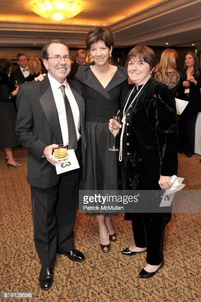 Beth Quillen Thomas and attend JUNIOR LEAGUE LEGACY BALL HONORING HENRY WINKLER at Montage Hotel on March 6 2010 in Beverly Hills California