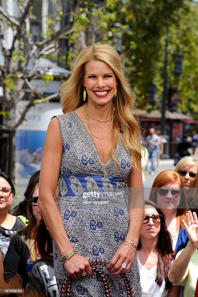 Beth Stern visits 'Extra' at The Grove on April 25, 2013 in Los Angeles, California.