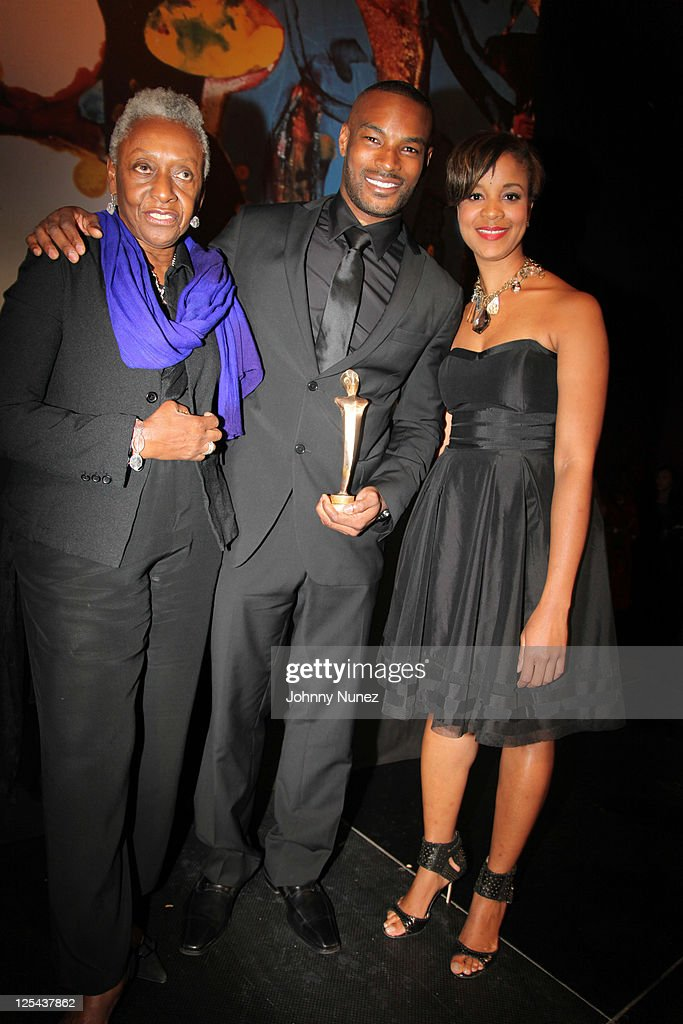 <a gi-track='captionPersonalityLinkClicked' href=/galleries/search?phrase=Bethann+Hardison&family=editorial&specificpeople=592075 ng-click='$event.stopPropagation()'>Bethann Hardison</a>, <a gi-track='captionPersonalityLinkClicked' href=/galleries/search?phrase=Tyson+Beckford&family=editorial&specificpeople=210873 ng-click='$event.stopPropagation()'>Tyson Beckford</a>, and Brandice Henderson attend Harlem's Fashion Row at Jazz at Lincoln Center on September 16, 2011 in New York City.