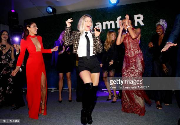 Bethanny Frankel Fergie and Selita Ebanks at amfAR Los Angeles 2017 at Ron Burkle's Green Acres Estate on October 13 2017 in Beverly Hills Californi
