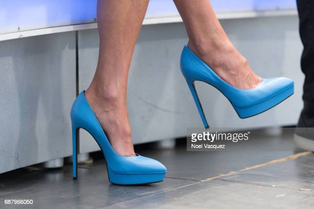 Bethenny Frankel shoe detail visits 'Extra' at Universal Studios Hollywood on May 24 2017 in Universal City California
