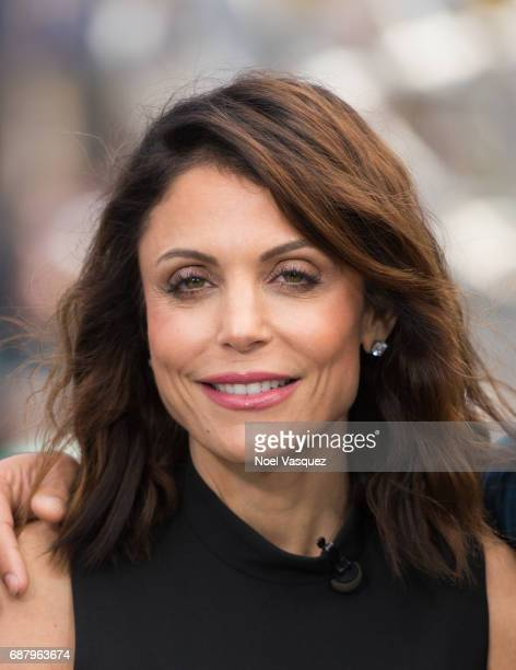 Bethenny Frankel visits 'Extra' at Universal Studios Hollywood on May 24 2017 in Universal City California