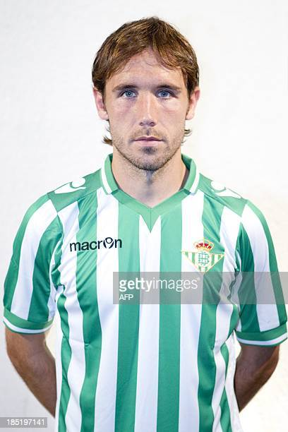 Betis' midfielder Joan Verdu poses at the Benito Villamarin stadium in Sevilla on October 18 2013 AFP PHOTO / PACO PUENTES