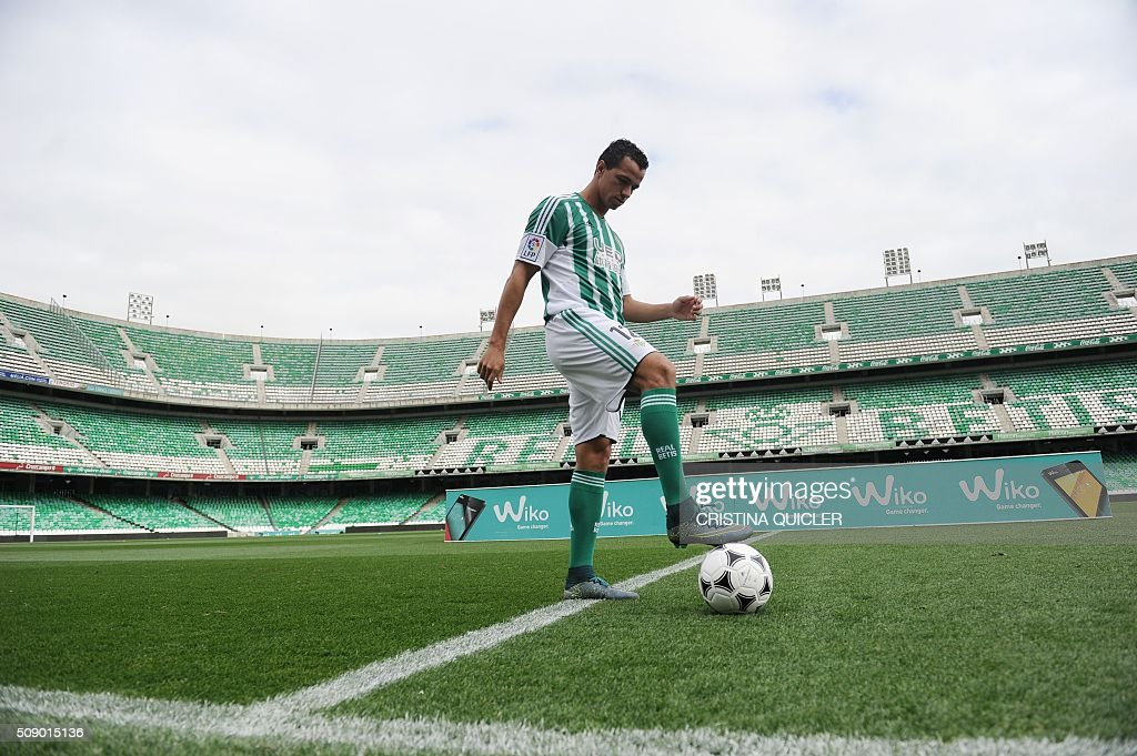 Betis' new signing Brazilian Leandro Damiao controls a ball during his official presentation at the Benito Villamarin stadium in Sevilla on February...