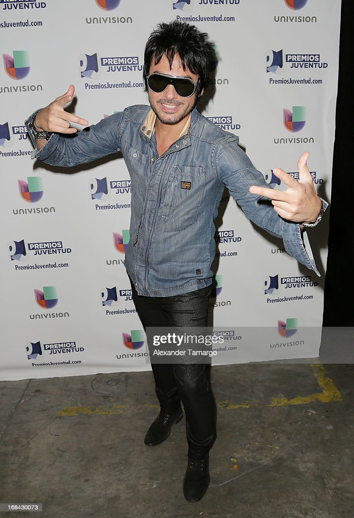 <a gi-track='captionPersonalityLinkClicked' href=/galleries/search?phrase=Beto+Cuevas&family=editorial&specificpeople=242796 ng-click='$event.stopPropagation()'>Beto Cuevas</a> attends Univisions Premios Juventud Awards Nominees press conference at Univision Headquarters on May 9, 2013 in Miami, Florida.